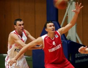 България разби Унгария с 89:71 на старта на квалификациите