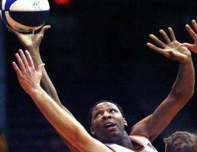 Гигант от НБА притеснява Спартак