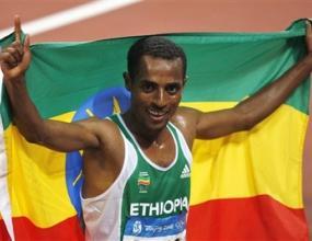 Бекеле спечели златото на 5000 м с олимпийски рекорд и направи дубъл