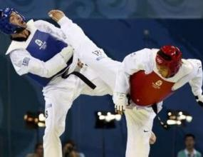 Южнокореец триумфира с титлата в таекуондото до 80 кг