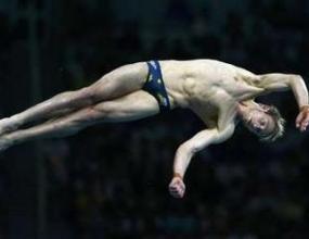 Матю Мичъм разби китайската доминация на скоковете във вода