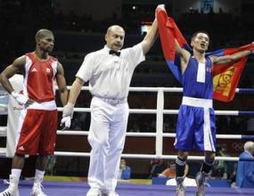 Бадар-Уган Енкхбат от Монголия взе златото в категория до 54 кг