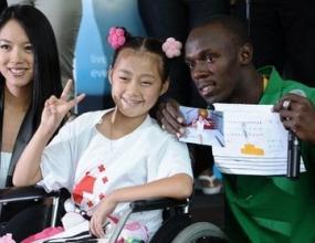 Болт дари 50 000 долара за посртадалите от заметрсението в Съчуан