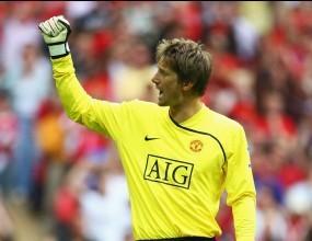 Ван Дер Саар подписа с Юнайтед до 2010-а