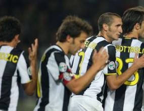 Раниери взе 20 играчи за мача с Милан