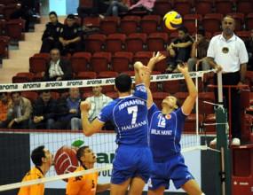 Мартин Стоев и Халкбанк спечелиха БГ дербито на Турция, българите отлични в мача