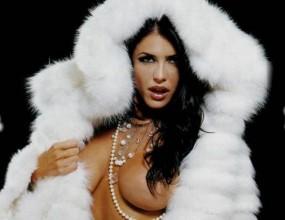 Аржентински модел подкрепя Ривър Плейт