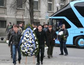 Левски поднася венци пред паметника на Апостола утре