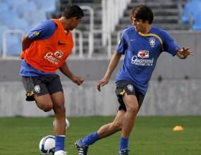 Дунга върна в състава на Бразилия Кака за мачовете с Перу и Еквадор, и пак отсвири Амаури