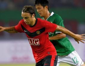 Фамозен Бербатов развинти китайци с гол и три асистенции, Юнайтед мачка с 8:2