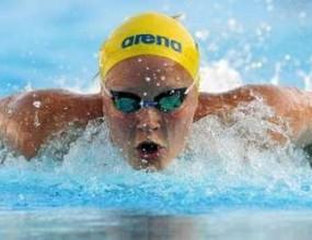 15-годишна шведка с нов световен рекорд на 100 метра бътерфлай