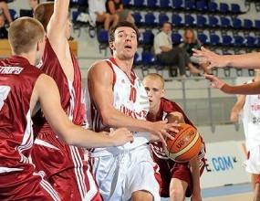 Юношите играят за 9 - 12-о място на Европейското във Франция