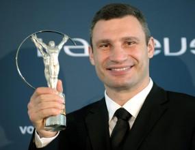 Виталий Кличко ще защищава световната си титла срещу Крис Ареола