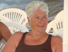 71-годишна бивша шампионка по плуване наби крадец