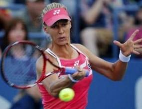 Дементиева отнесе французойка в първия кръг