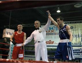 Детелин Далаклиев започна с победа на световното по бокс в Милано