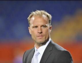 Бергкамп не иска да става треньор