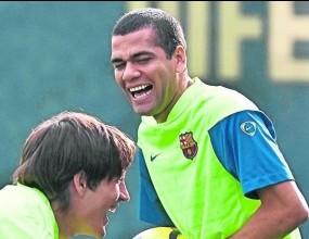 Алвеш: Кристиано знае какво е да играеш срещу Барса
