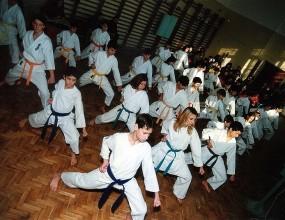 Изпращаме петима балкански шампиони на европейското по карате