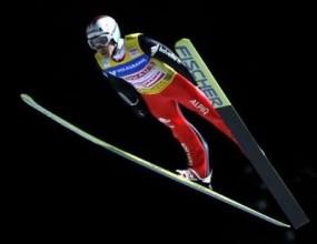 Симон Аман спечели поредния кръг от Световната купа по ски-скокове
