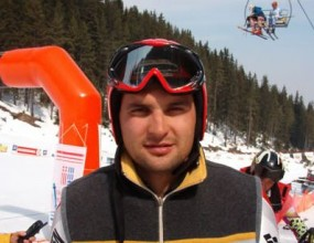 Олимпийците ни в алпийските ски се хванаха за гушите