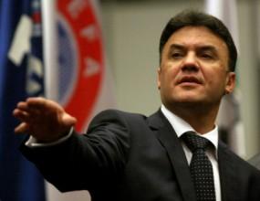 БФС и Валентин Михов погват телевизии за пари