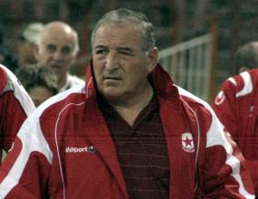 Димитър Пенев: Виждам финал между Бразилия и Испания на Мондиал 2010