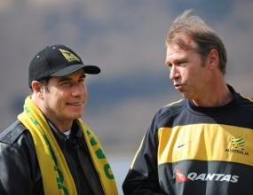 Джон Траволта посети националния отбор на Австралия на Мондиал 2010 (видео)