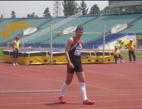 Карарадев държавен шампион в скока на височина, Виктор Нинов се контузи