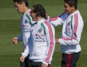 Седем играчи на Мексико тренираха отделно