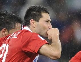 Голмайсторът на Парагвай играч на мача срещу Италия