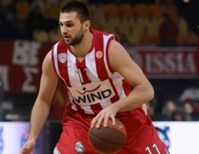 Линас Клейза остава в Олимпиакос