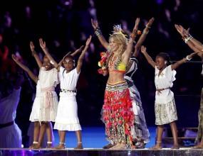 Шакира и Нелсън Мандела участваха в церемонията по закриване на Мондиал 2010