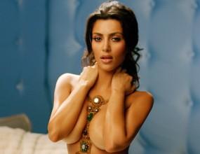 """""""Плейбой"""" пусна нецензурирана версия на голата Ким Кардашиан (видео)"""