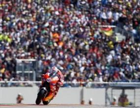 """Стоунър с 21-ви триумф в MotoGP след безкомпромисна победа на """"Арагон"""""""