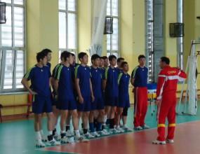 Китайците под строй преди мача с България