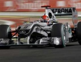 Шумахер се завърна в топ 10