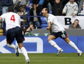 Мартин Петров зашлеви Ман Юнайтед, Болтън изпусна победата (видео)
