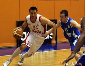 Веско Веселинов: Разполагаме с добри играчи и сме готови да победим Арис