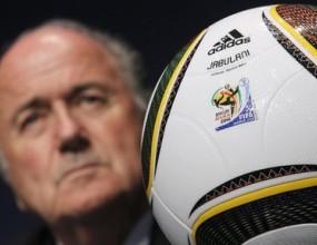 Блатер отхвърли обвиненията за корупция във футболната централа