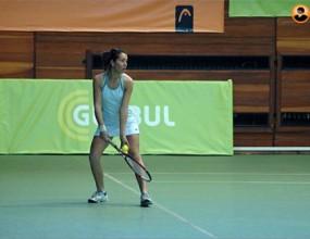 Елица Костова остана на сет от титлата в Португалия