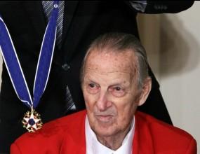 Великият Стан Мюзиъл получи най-високия орден на САЩ