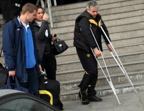 Треньорът на Миньор се завърна с контузия от Турция