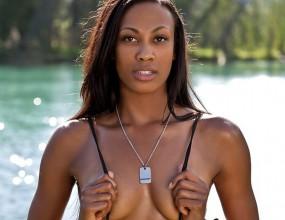 Американската волейболистка Ким Глас засне секси фотосесия (ВИДЕО + ГАЛЕРИЯ)