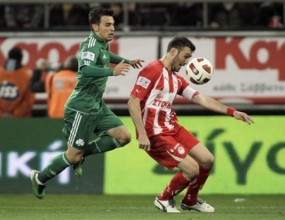 Олимпиакос с инфарктен успех в дербито с Панатинайкос в Гърция