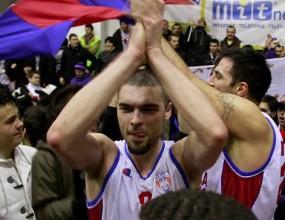 Гларуса и Стяуа с 16-и успех в Румъния