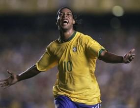 Роналдиньо се завърна в националния отбор на Бразилия