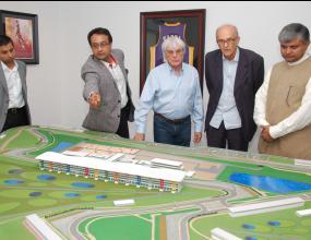 Екълстоун: Пистата в Индия ще е готова навреме