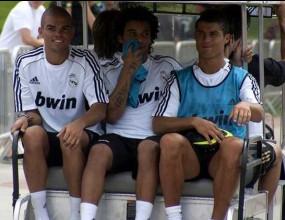 Кристиано, Пепе и Марсело купонясват из нощен Мадрид