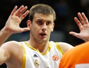 Величкович и Каспи пропускат Евробаскет 2011